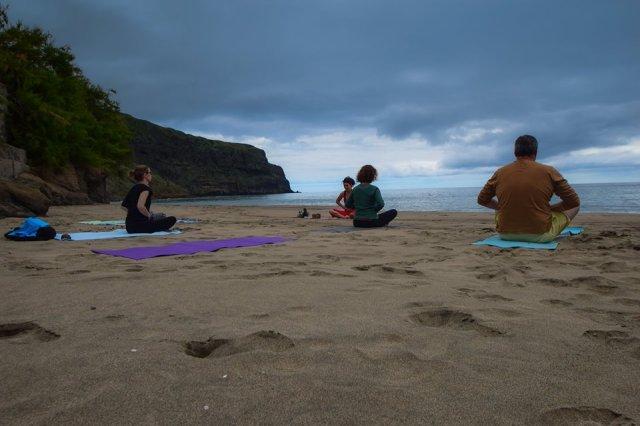 Yoga with Yogini Tiff, Praia Formosa, Santa Maria Açores